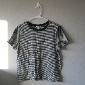 FOREVER 21 Black Striped Tee